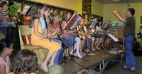 Schüler singen und musizieren