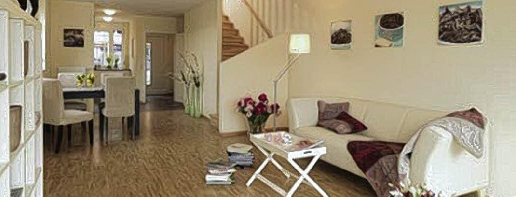Wohnen Hausbau Und Sanierung Kleine Rume Gestalten Die Kche Einrichtung Das Haus Wuchtige Einbauschrnke Erschlagen Einen Kleinen Raum