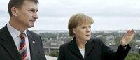 Angela Merkel beruhigt die Balten