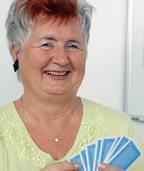 Das Kartenspielen hat es ihr angetan