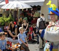 26 Aussteller und ein großer Flohmarkt
