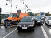 Drei Autos krachten ineinander