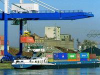 50 Liter Styrol im Kehler Hafen ausgelaufen