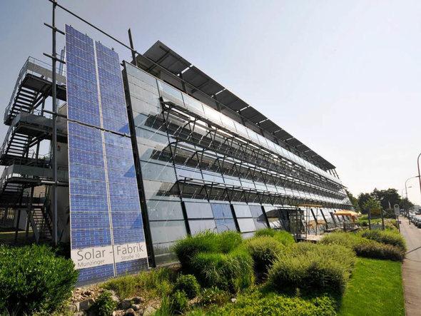 freiburger solar fabrik steigert umsatz und gewinn. Black Bedroom Furniture Sets. Home Design Ideas