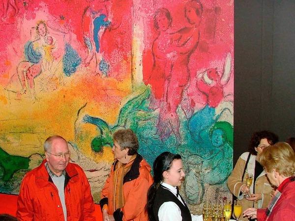 """BZ-Leserinnen und -Leser in der Ausstellung """"Das Erlebnis Marc Chagall und seine Liebe zu Griechenland"""""""