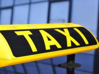 Räuber bedroht Taxifahrerin mit dem Messer