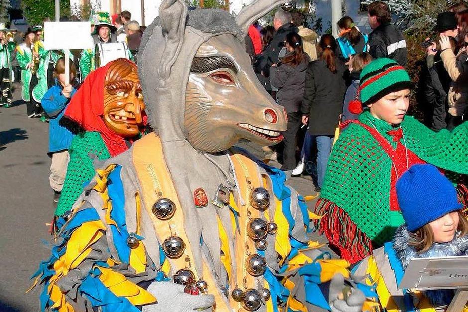 Der Umkircher Esel durfte nicht fehlen, beim  großen Jubiläumsumzug des Umkircher Narrenclubs. (Foto: Mario Schöneberg)