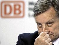 Bahnchef Hartmut Mehdorn wackelt wieder