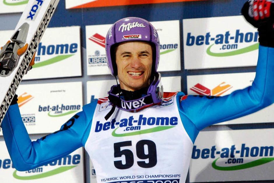 Jubelt: Martin Schmitt erreichte den 2. Platz bei der nordischen Ski-WM in Liberec (Foto: dpa)