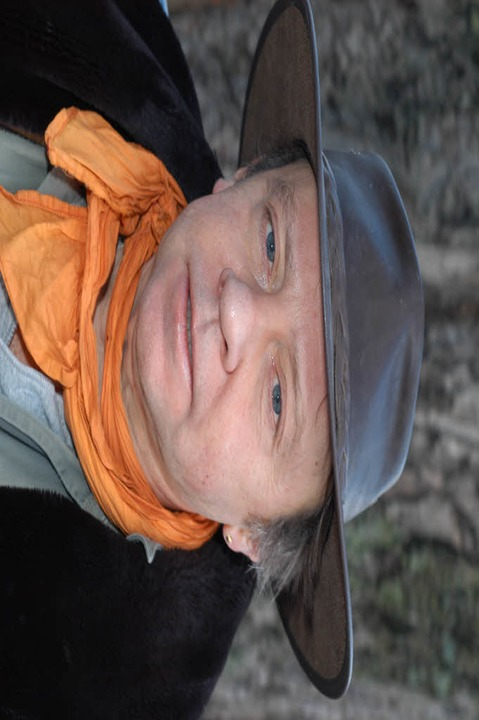 Gunter Demnig freut sich über die guten Fortschritte seiner Aktion.    Foto: Thomas Kunz