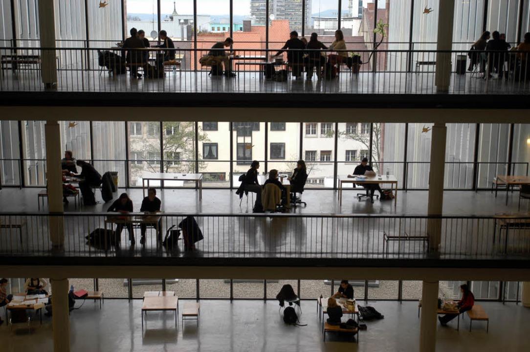 Alle zusammen, statt jeder für sich: A...einem gemeinsamen Zentrum vermittelt.   | Foto: ingo schneider/Thomas Goebel (1)/privat