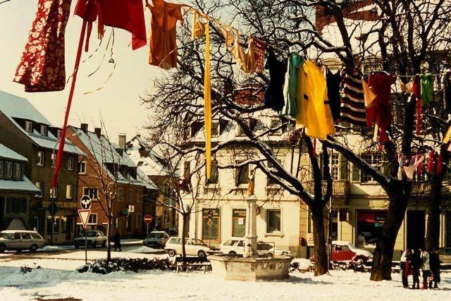 Närrische Zier schmückt Häuser und Straßen