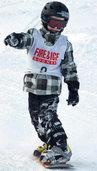 Snowboarder bauen Trainingsgruppe auf