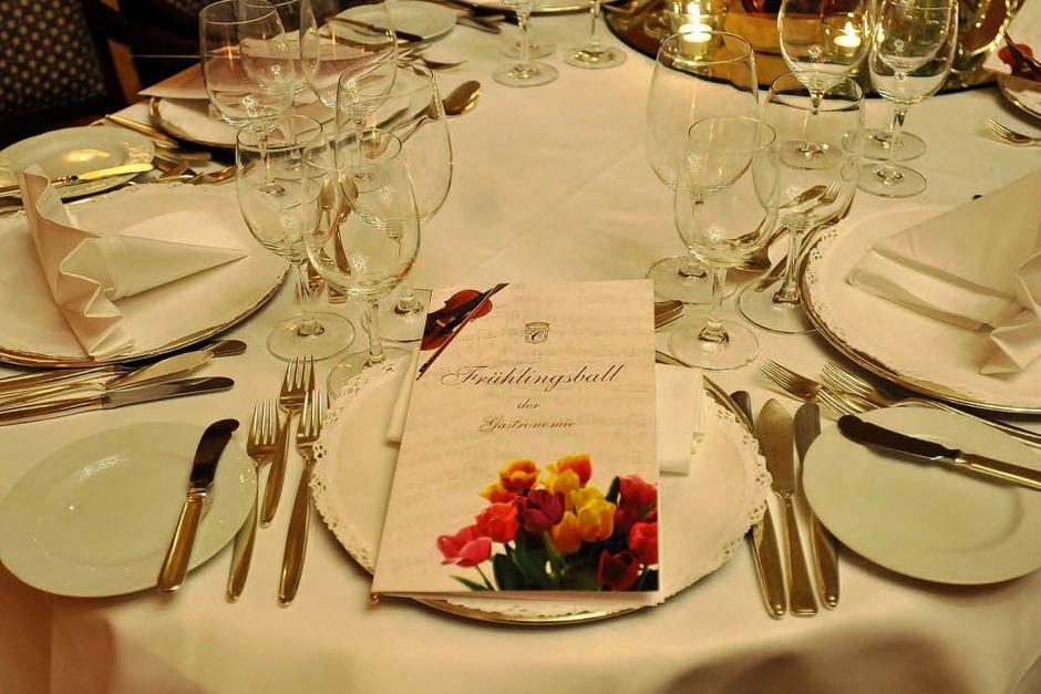 So sieht der perfekt gedeckt Tisch aus... (Foto: Ingo Schneider)