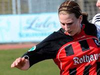 Julia Zirnstein verlängert beim SC