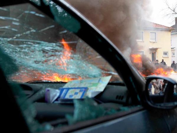 Am Camp der Gipfel-Gegner ist die Situation eskaliert. Es kam zu Stra�enschlachten zwischen Polizei und Autonomen.
