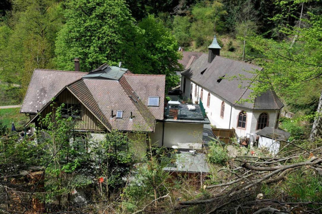 Kirche und Wirtschaft: Auch St. Ottilien ist ein Freiburger Klassiker.  | Foto: Ingo Schneider