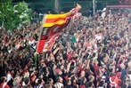 Fotos: Fans begr��en den SC Freiburg
