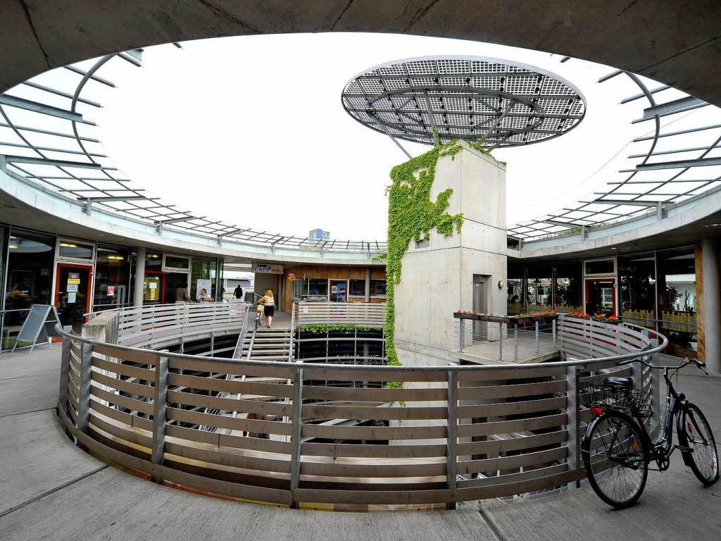 freiburger fahrradstation mobile wird modernisiert freiburg badische zeitung. Black Bedroom Furniture Sets. Home Design Ideas