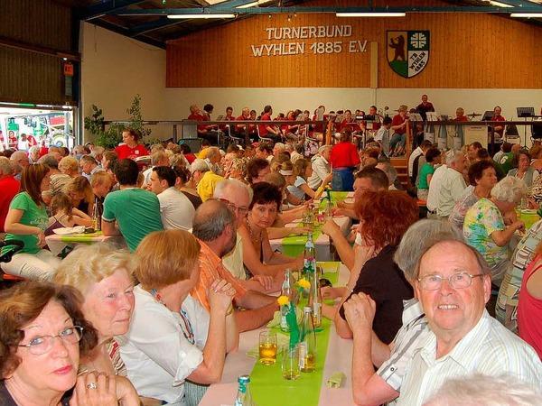 Das Spargel- und Erdbeerfest war ein voller Erfolg. Die Stimmung war bei Groß und Klein prächtig.