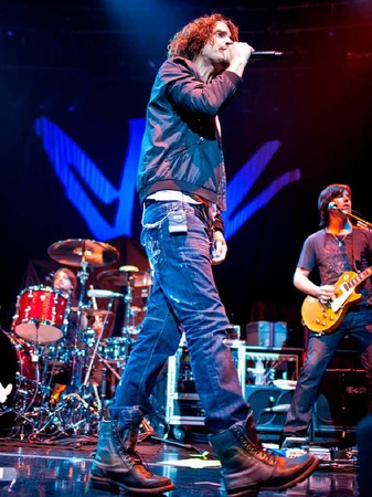 Chris Cornell,  früher Sänger von Soundgarden und Audioslave, übernahm das Vorprogramm