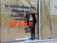 Freiburger Karstadt-Mitarbeiter unter Schock