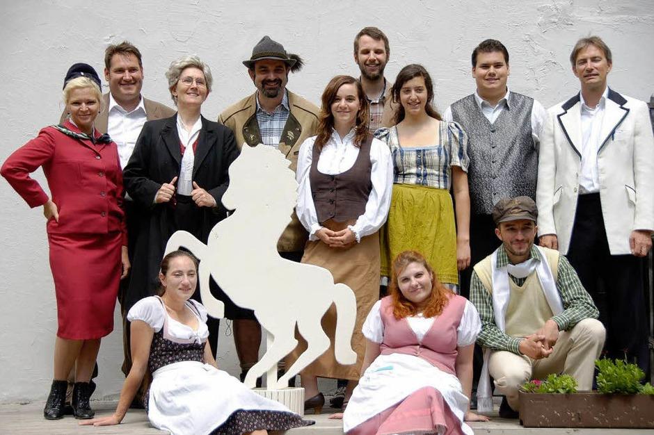 """Die Stimmung ist bestens beim Theater im Steinbruch, das mit dem  """"Weißen Rössl am Wolfgangsee""""  am Freitag, 19. Mai Premiere hat (Foto: Sylvia-Karina Jahn)"""