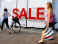 Video: Einzelhandel trotzt der Krise