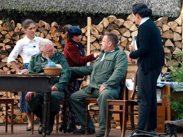 Gespr�ch �ber Adolfs Fahnenflucht
