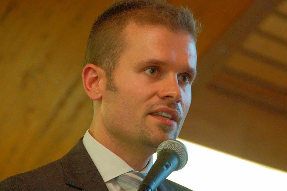 Isaaks Nachfolger Christian Ante begrüßte die Gäste. (Foto: Tanja Bury)