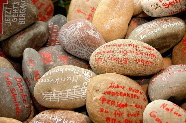Steine mit guten W�nsche als Abschiedsgeschenke.