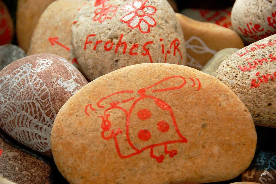 Steine mit guten Wünsche als Abschiedsgeschenke. (Foto: Tanja Bury)