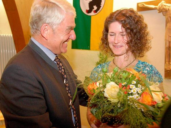 Blumen hatte Isaak auch für seine Sekretärin Renate Asal-Regele.