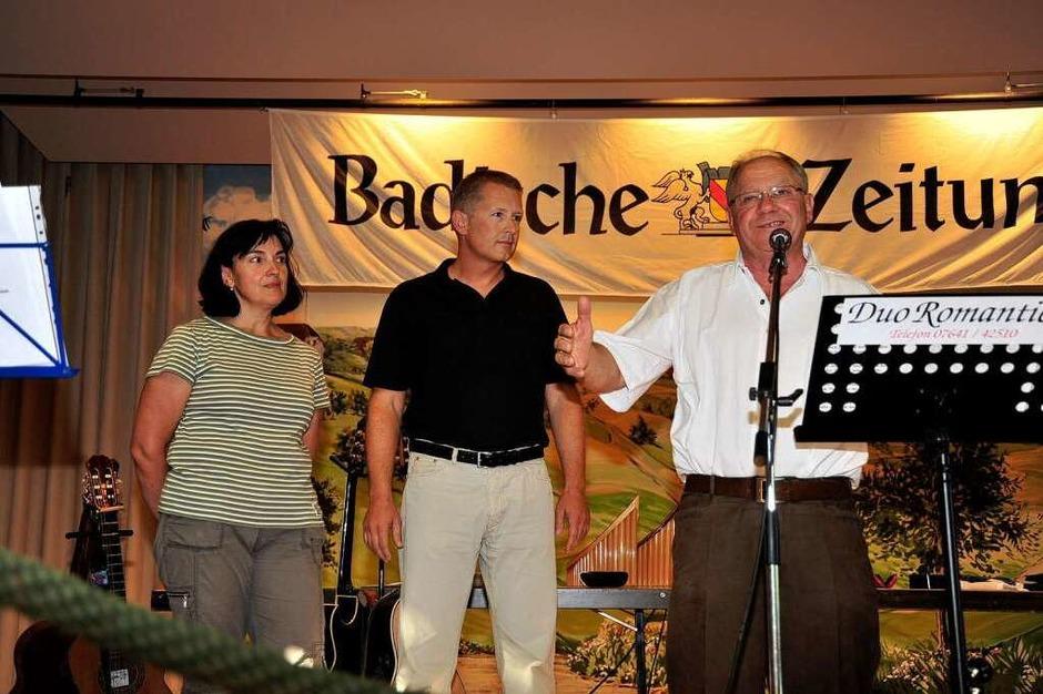 Begrüßung mit (von links): Ursula Hauber (Förderverein Kurgarten), BZ-Regionalverlagsleiter Markus Fangmann, Walter Gerspacher. (Foto: Dieter Erggelet)