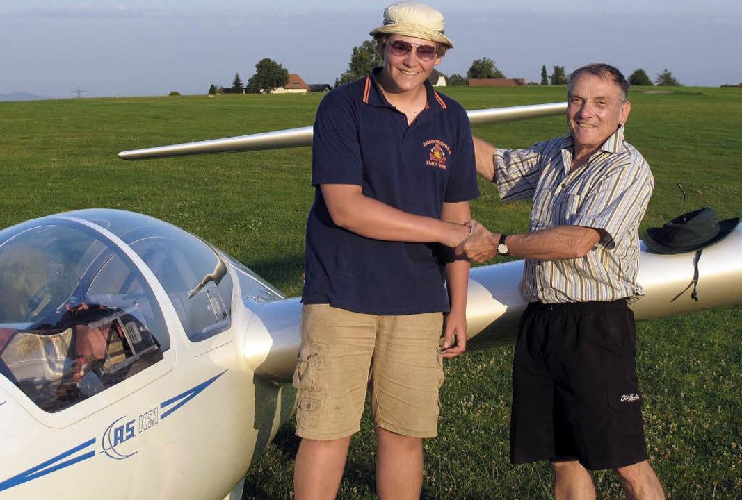 Eric Huber nach seinem ersten Alleinflug  | Foto: bz