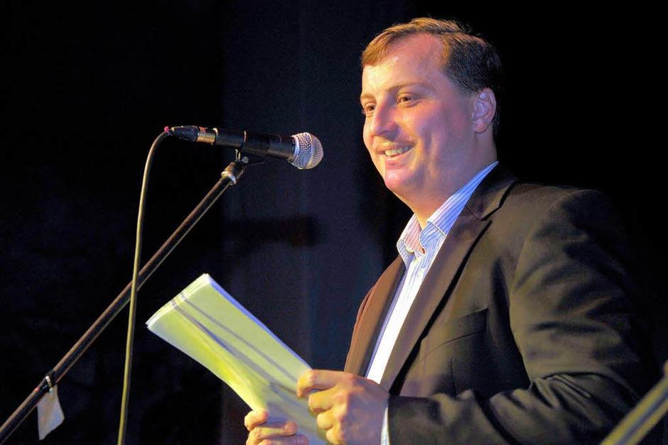 Auch die Freiburger Direktkandidaten durften auf die Bühne: Hier Daniel Sander (CDU) (Foto: Thomas Kunz)