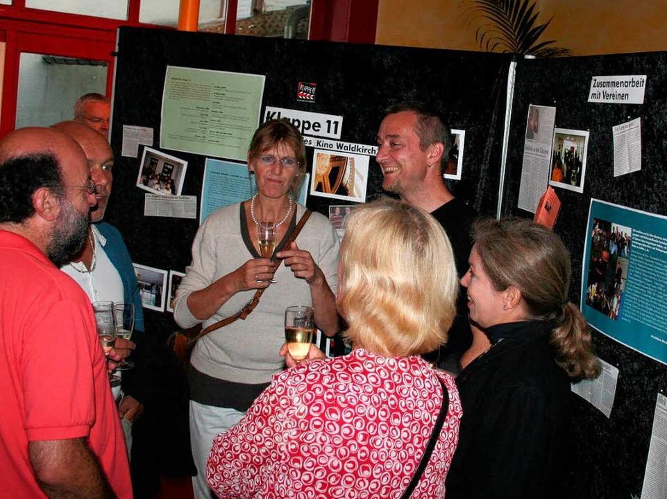 Eine Ausstellung gab Einblick in die e...chichte des Kommunalen Kinos Klappe11.  | Foto: Karin Heiß