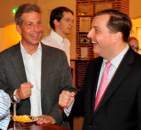 Landtagsabgeordneter Klaus Schüle (links) und Daniel Sander bei der Party der CDU.