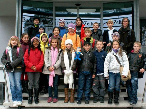 Die Klasse 4a der Grundschule Salzert mit ihrer Lehrerin Frau Rohrbach