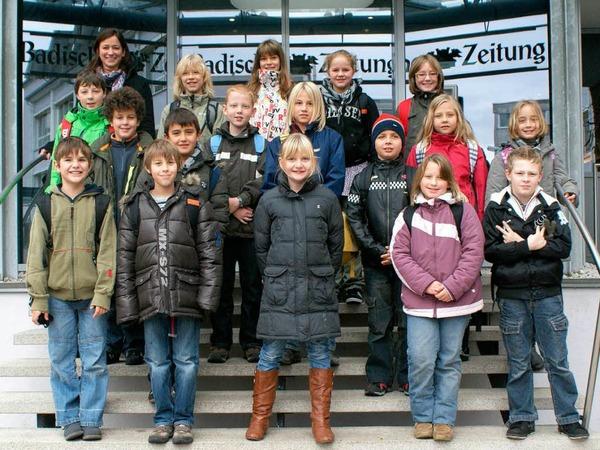 Die Klasse 4b der GHS Lindenschule mit ihrer Lehrerin Frau Tröscher