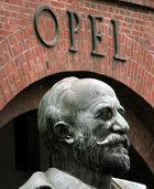 Freundliche Geste für Opel