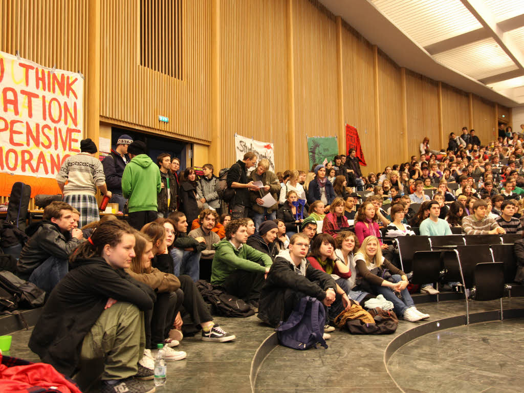 studenten wollen audimax auch w hrend der demo besetzt halten freiburg badische zeitung. Black Bedroom Furniture Sets. Home Design Ideas