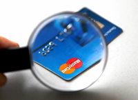 Kreditkartenbetrüger räumen Konto in Freiburg leer