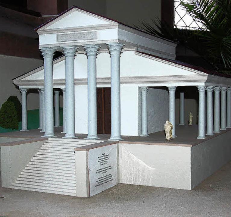 Der einstige Römertempel von Badenweil...dell steht in der evangelischen Kirche  | Foto: Babeck-Reinsch