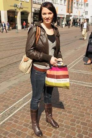 Anna-Lisa, 20