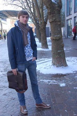 Bastian, 20