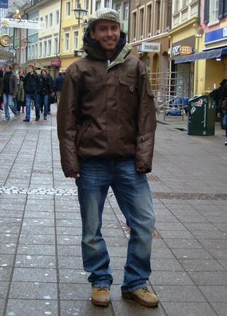 Bastian, 21