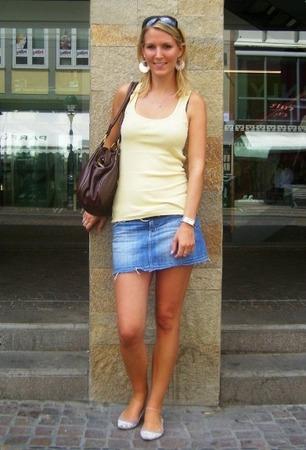 Miriam, 24