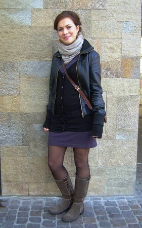 Veronica, 20