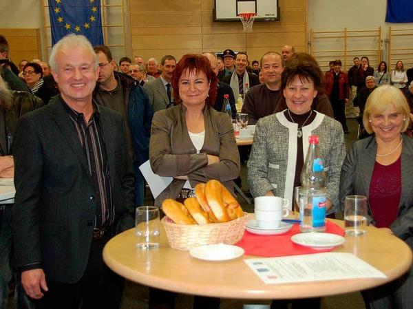 Bürgermeisterstellvertreter Bernhard Pfrengle, Dorle Hauß, Bürgermeisterin Fabienne Stich aus Fessenheim, Antoinette Faller (v.l.).